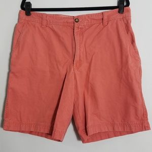 Fun Izod Connecticut red golf shorts, 36 waist
